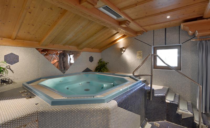 zimmer und wellness skiregion hochf gen zillertal. Black Bedroom Furniture Sets. Home Design Ideas