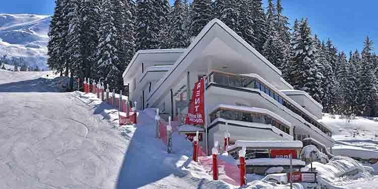 Chalet & Apart Hochfügen Skiurlaub Winter Tiefschnee Zillertal Skihütte Einkehren
