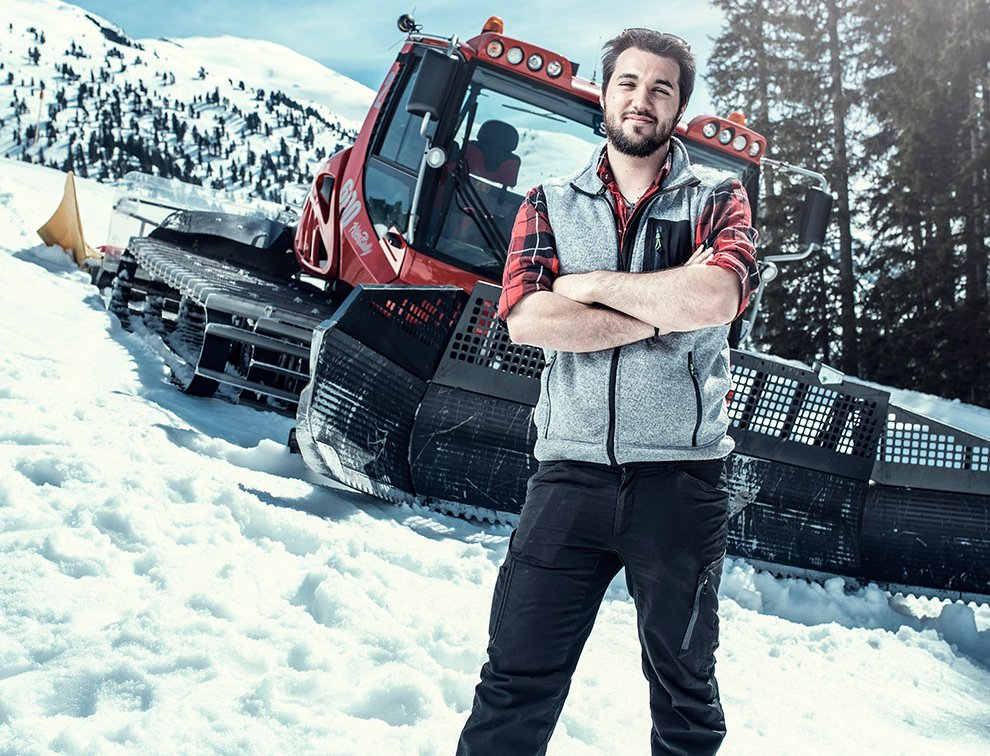 Snowtruck Ausflug Schneefahrt Winter SKigebiet Zillertal Piste