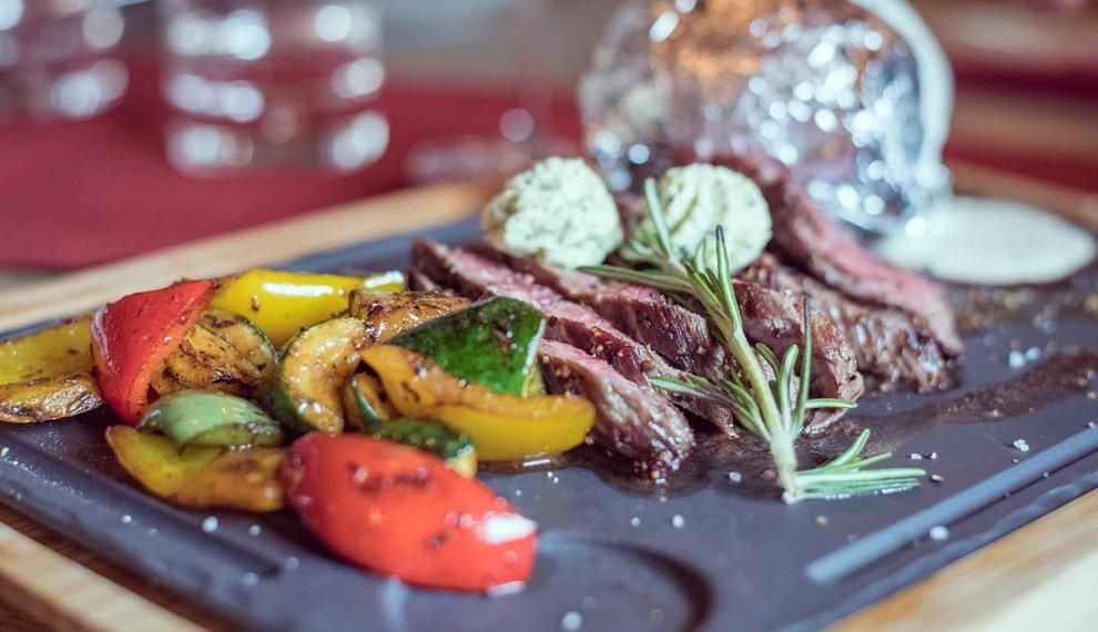 Gourmetküche Montana Alm Kulinarik Hochfügen Zillertal
