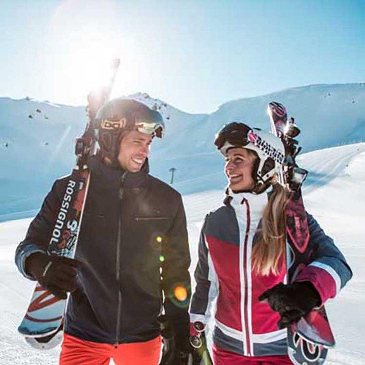 Skifahren Hochfügen Sonne Schneegenuss Urlaub im Zillertal Winterurlaub