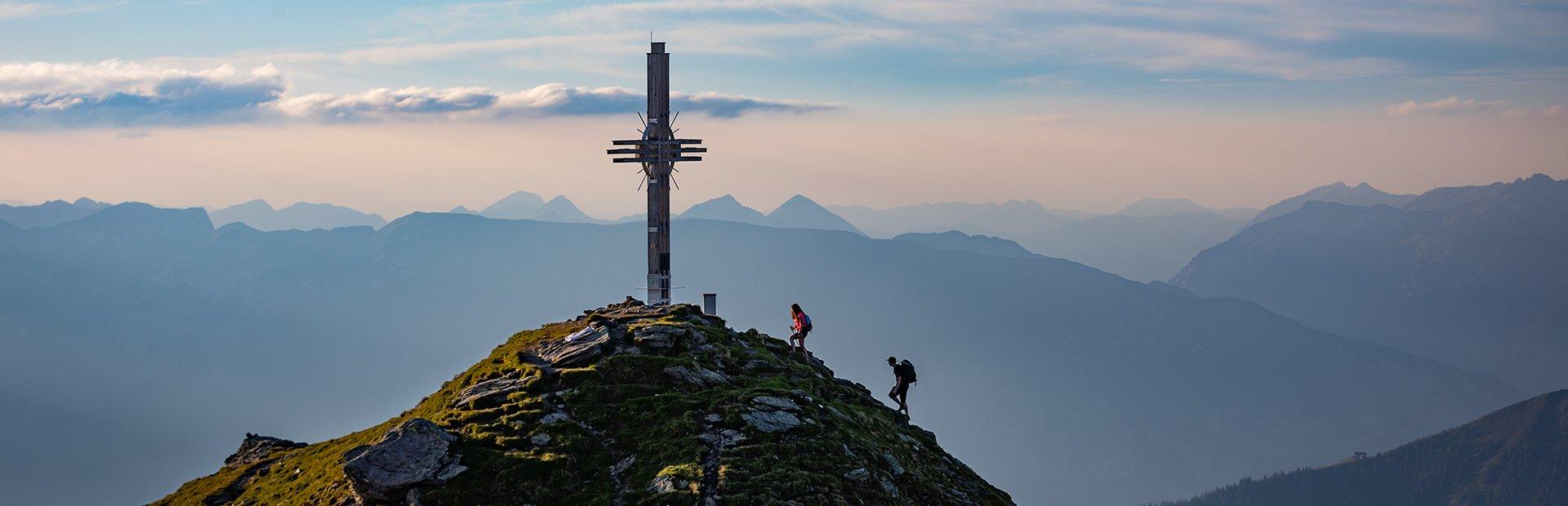 Hochfügen, das idyllische Bergdorf im Zillertal, ist im Sommer ein wahres Wanderparadies in Tirol