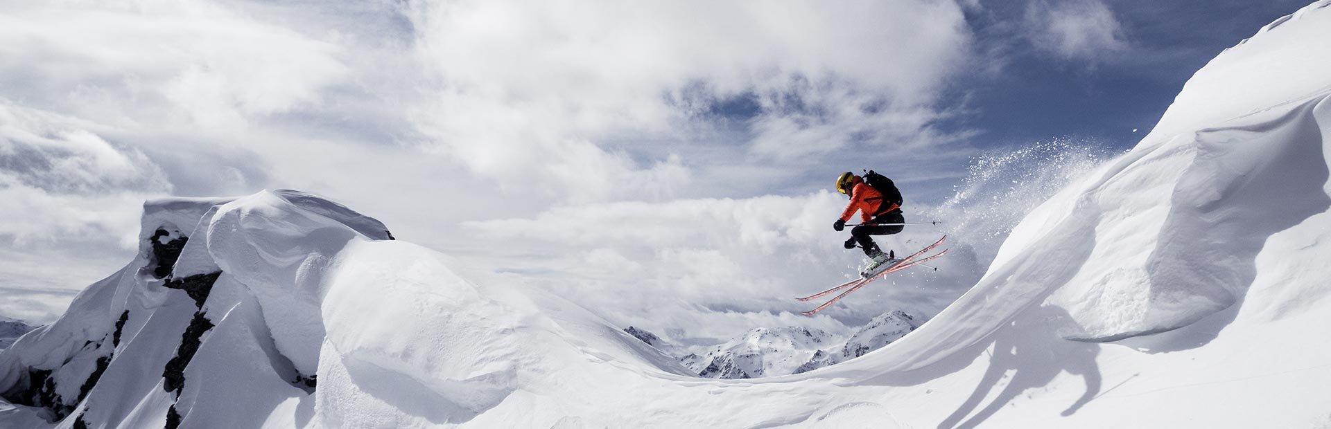 Freeride Freestyle Kicker Schneeverwehungen Schnee Deep powder
