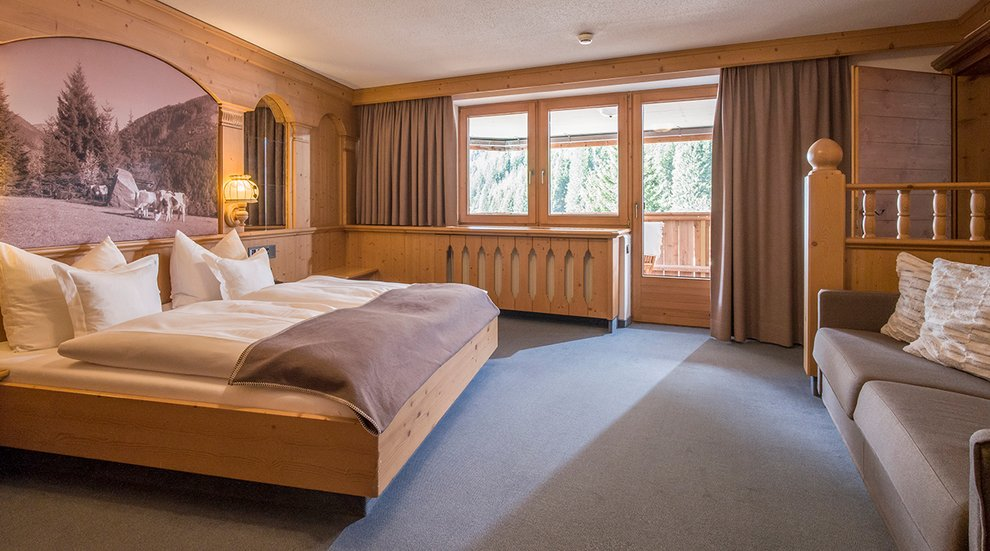 Hotel Almhof Hotelzimmer Aufenthalt Suite Übernachten Skiurlaub