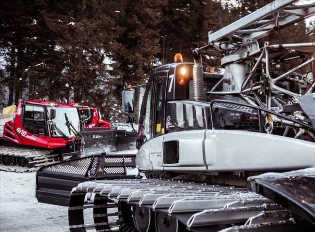 Pistenbully Snowtruck Schneeraupe Erlebnis mitfahren Beifahrersitz Hochfügen Zillertal Schneetechnik