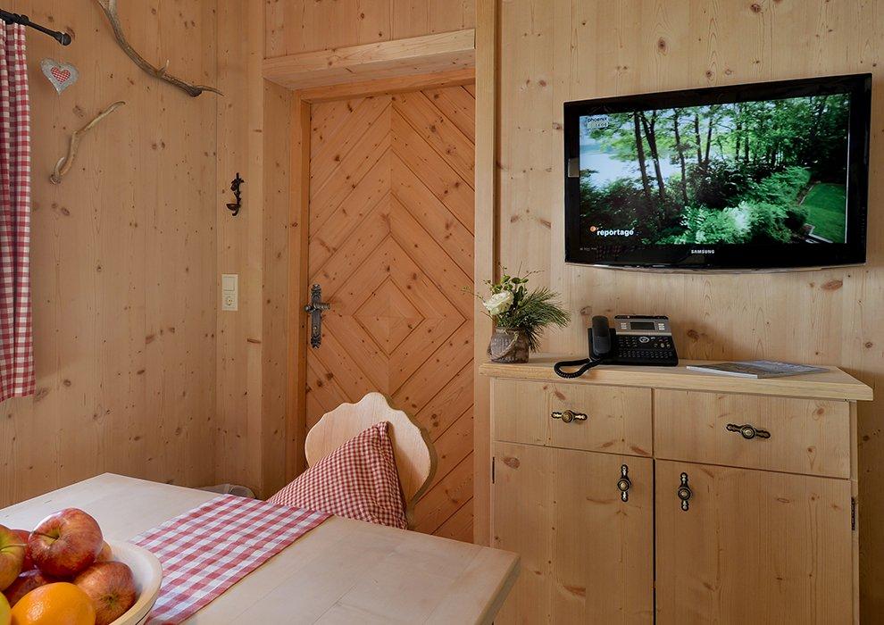 Hotel Almhof Zillertal Skigebiet Hotelzimmer Inneneinrichtung Ambiente Landhausstil Zillertal