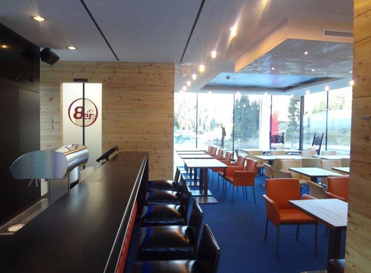 8er Treff Hochfügen Bistro Cafe Zillertal Kulinarik