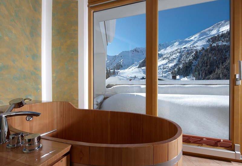 Hochfügen Hotelzimmer Chalet Apart Hochfügen Zillertal Badeinrichtung Skiurlaub