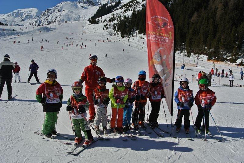 Skischule Kostenzer Skifahren Skihelfen Kinderski Zillertal