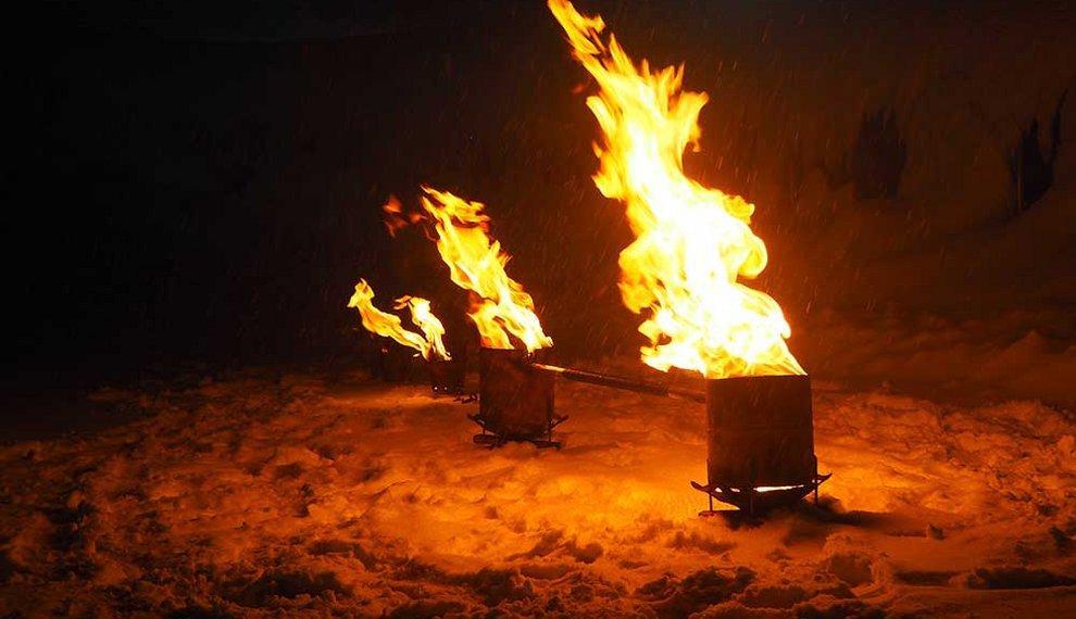 Feuershow Hochfügen Nacht Event Skigebiet