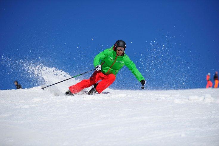 Skisport Winterausrüstung Skifahren Skischuhe