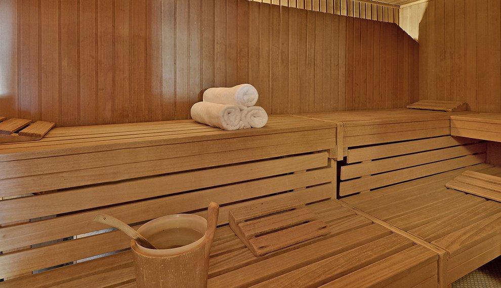 Wellness Hotel Almhof Hochfügen Skiregion Zillertal Skigebiet Entspannung