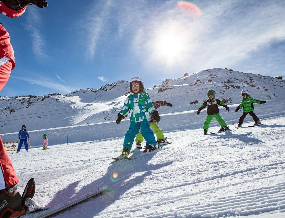 Skifahren Skischule Kostenzer Skilehrer Kinderskikurs Zillertal