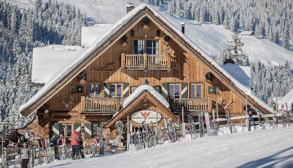Hochfügen Aar-Wirt Blockhütte Zillertal Skihütte Kulinarik Rustikale Speisen