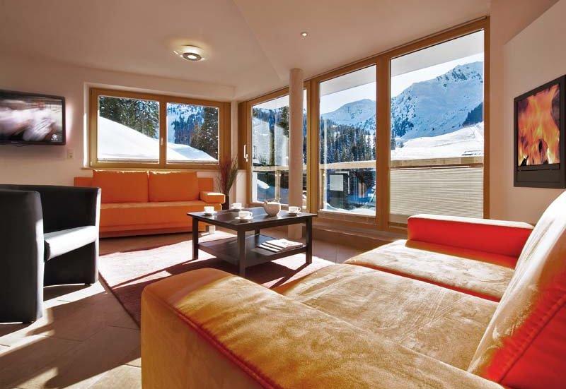 Chalet Apart Zillertal Zimmerausstattung Couch Hochfügen