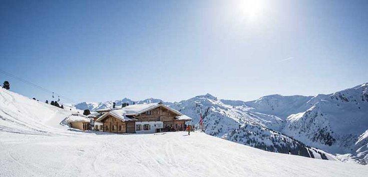 Frühjahr Hochfügen Skifahren Schnee Skiurlaub Pistenspaß