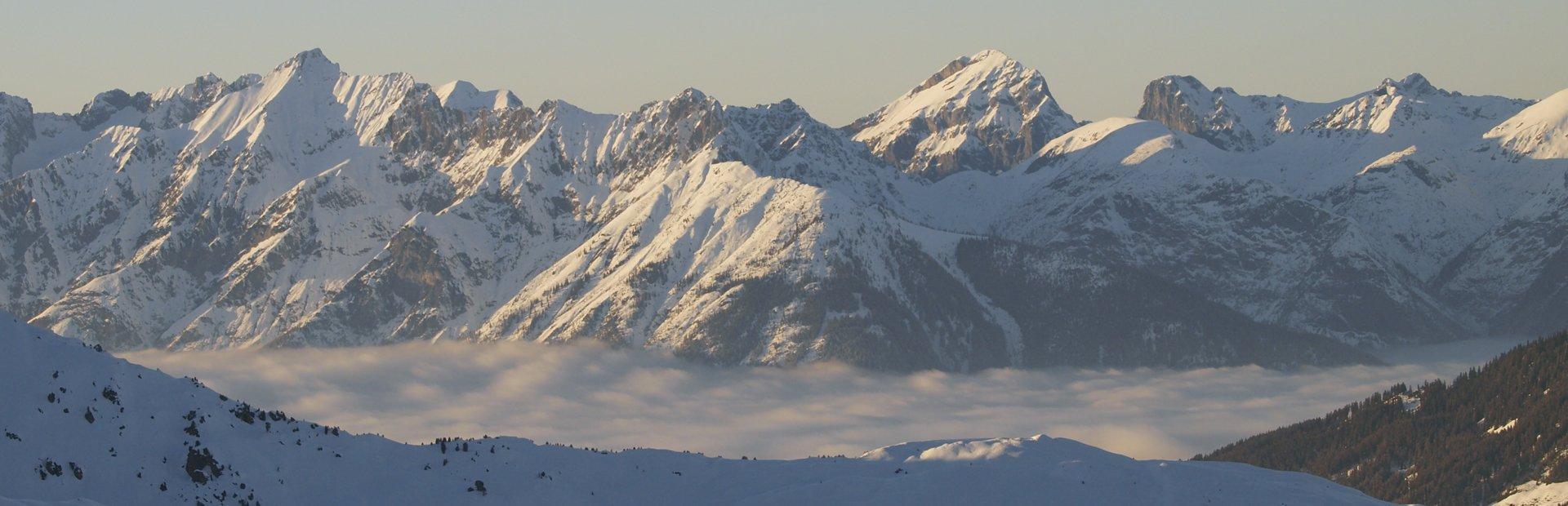 Tiroler Zillertal Winter Alpines Freeriden Skigebiet Hochfügen Skifahren im freien Gelände