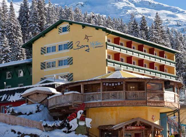 Berghotel Hochfügen Gogola Alm Apres-Ski Bar Hochfügen Steakhouse Lounge Bar Finsing Cafe-Restaurant Gogola Alm Restaurant Zillertal
