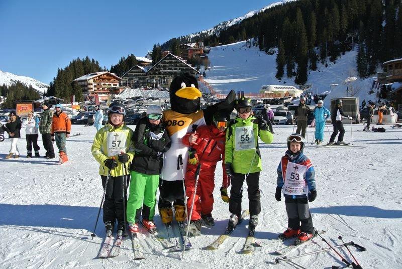 Maskottchen Skifahren Skischule Kostenzer Zillertal Kinderspaß