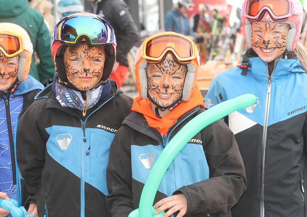 Schminke Tiger Hochfügen Zillertal Kinderseilrennen Rahmenprogramm Familien Skifahren