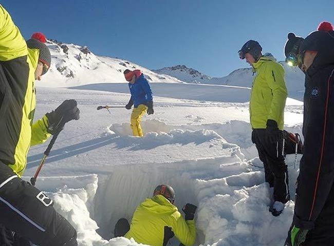 Ausbildung Skiguide Bergführer Tiefschnee Freeride Zillertal