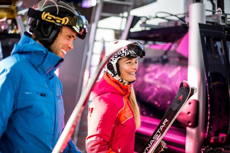 Skidepot Hochfügen Zillertal Skiausrüstung Skifahren