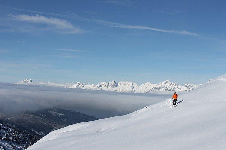 Freeride Tiefschnee Skigebiet Wolken Berge Hochfügen Zillertal Schneelandschaft Natur