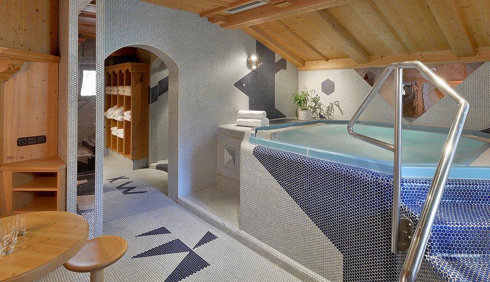 Wellness Hotel Almhof Entspannung Skigebiet Hochfügen Skiurlaub Winter