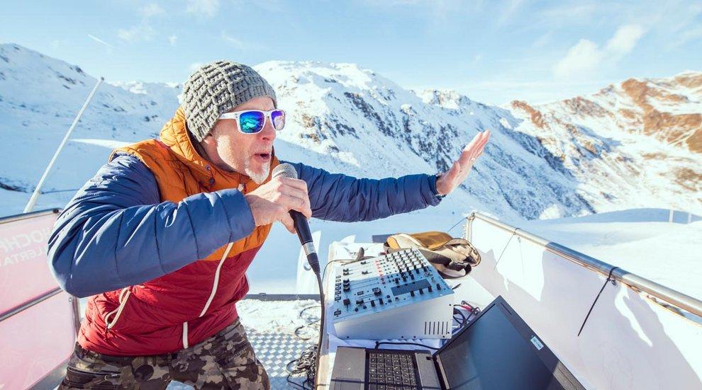 Snowlicious DJ Pistenparty Hochfügen Skipiste Foodtruck