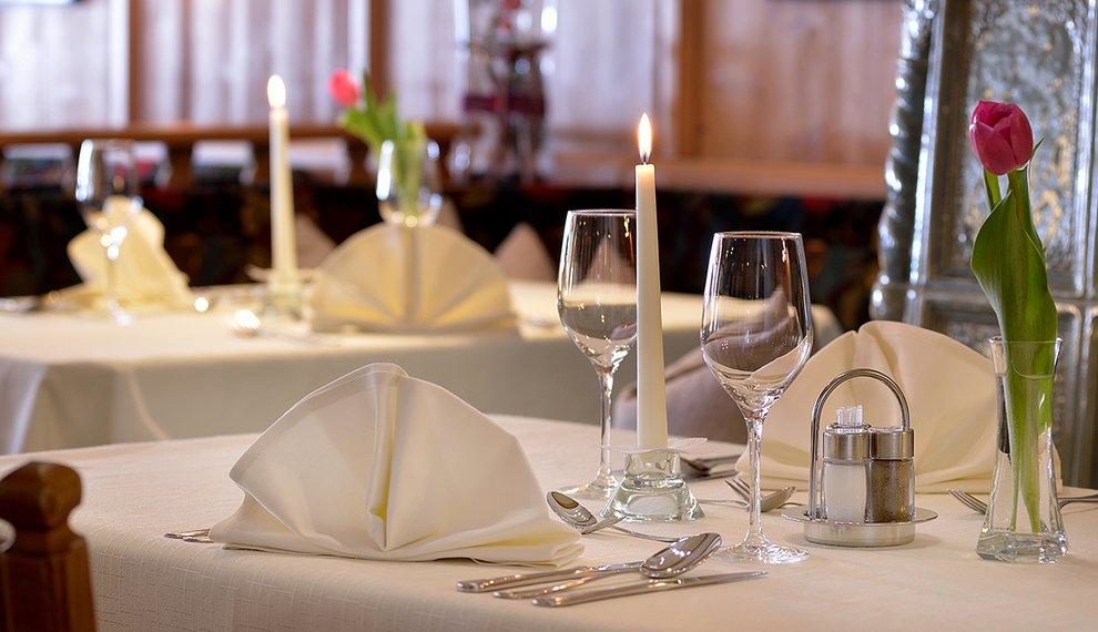 Menü Hotel Almhof Kulinarik Speisen Skigebiet Hochfügen Skiregion Zillertal Genuss