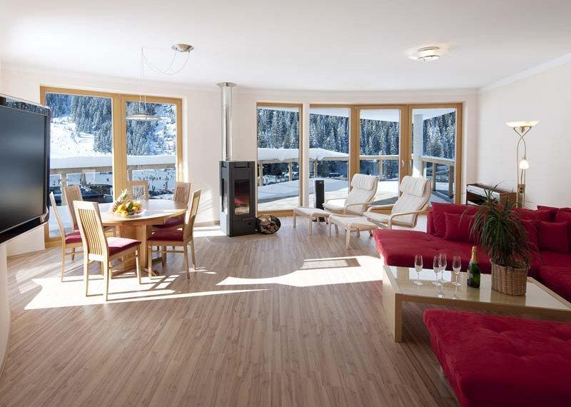 Chalet Appart Hochfügen Wohnzimmer Zimmerausstattung Skiurlaub Winter Frühling