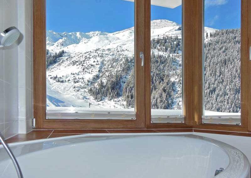 Badewanne Chalet Apart Zillertal Hochfügen Hotelaufenthalt Skiurlaub Winter Frühling