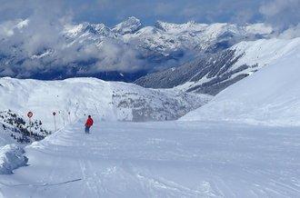 Skifahren und Snowboarden auf den Pisten in Hochfügen im Zillertal - der Pistenplan