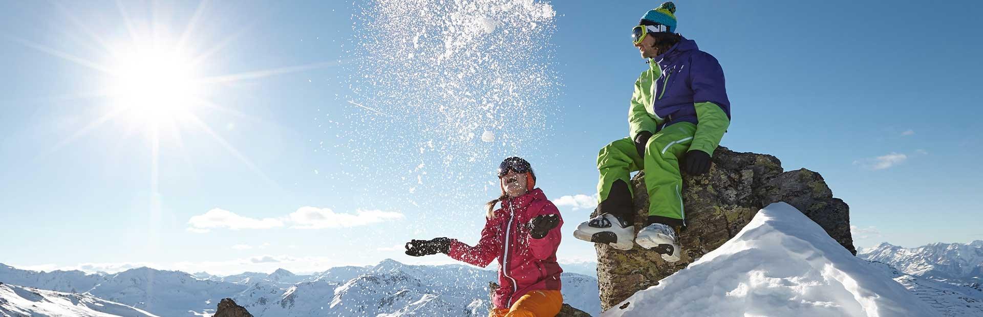 Hochfügen Schneeballschlacht Schneevergnügen Winterort