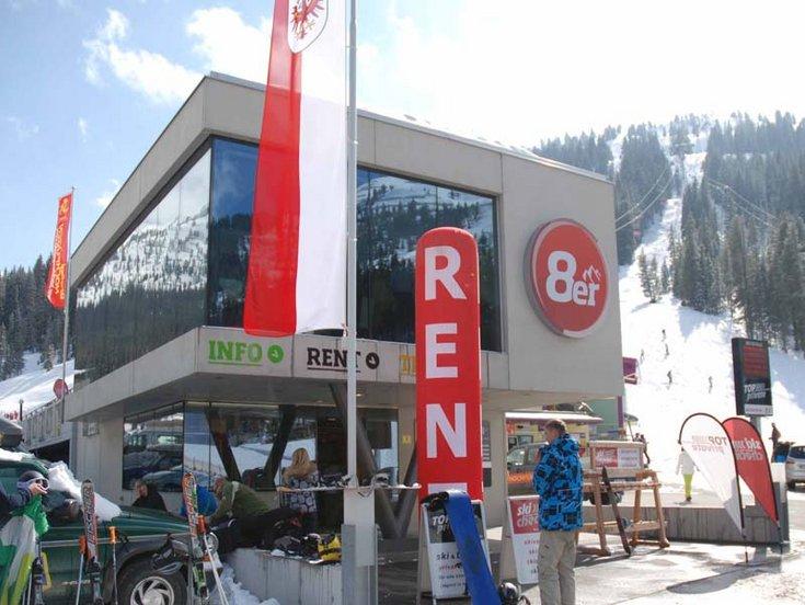 8er Jet Skischule SkiCheck Hochfügen Zillertal Skilift