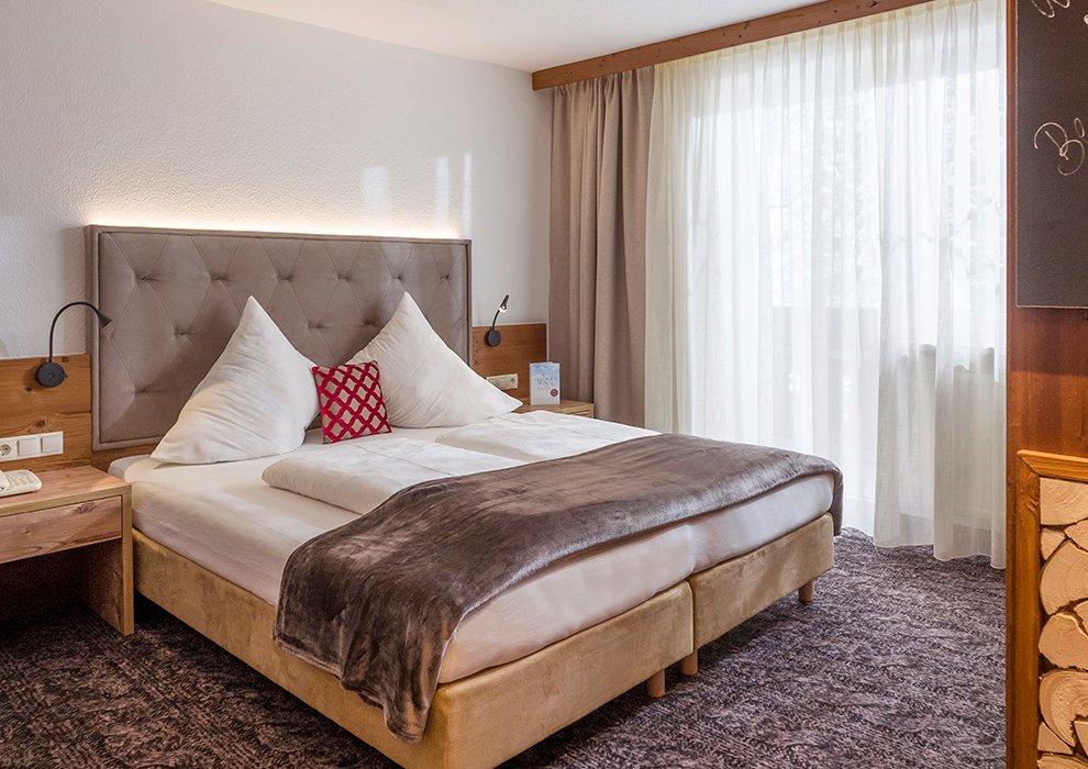 Berghotel Hochfügen Zimmerangebot Hotelübernachtung Doppelzimmer Zillertal