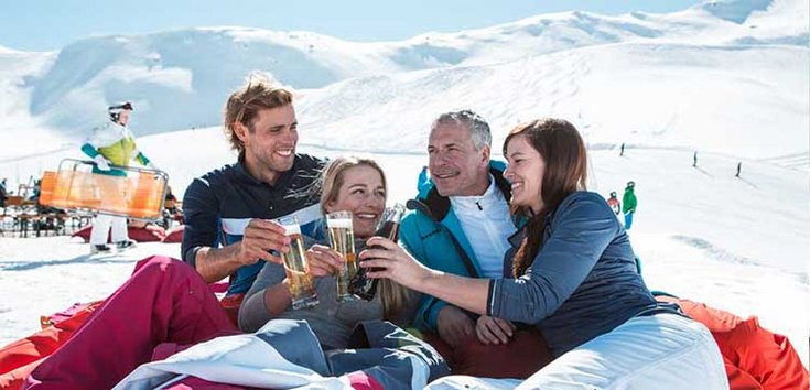 Skilaufen Frühjahr Apres-Ski Hochfügen Entspannen Skispaß Milde Temperaturen Zillertal