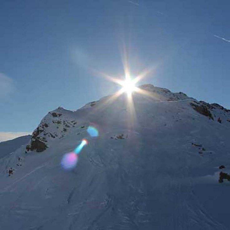 Hochfügen im Zillertal Wintersportdestination Schneetreiben Winter Frühling