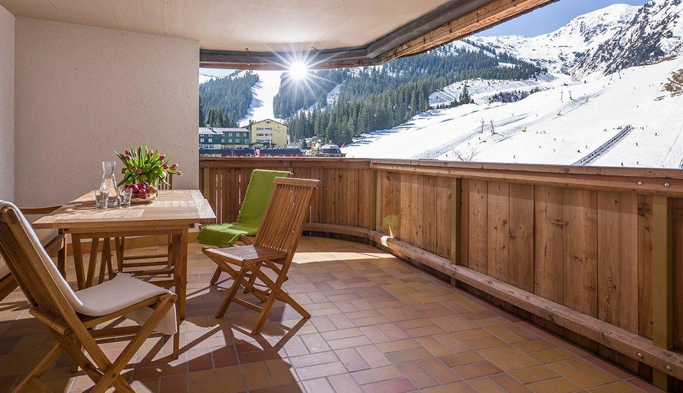Hotel Almhof Hotelzimmer Balkon Übernachtung Balkon Terrasse