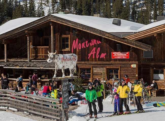 Montana Alm Restaurant Apres-Ski Hüttengaudi Hochfügen Skiurlaub