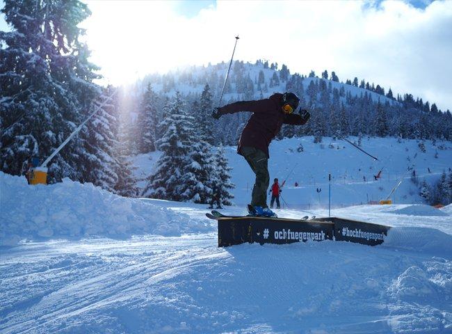 Junior Camp Schulferien Winterurlaub Skifahren Zillertal Hochfügen