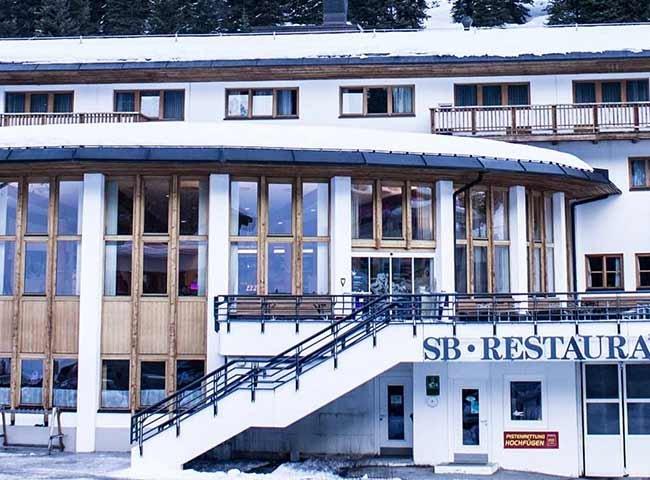Skigebiet Hochfügen Panorama Lodge Zillertal Alpen-Panorama Kulinarische Spezialitäten Skifahren