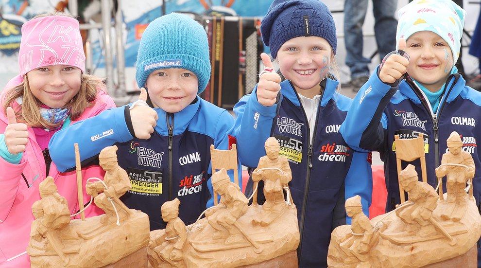Trophäen Pokale Seilrennen Hochfügen Kinder Spaß Familien
