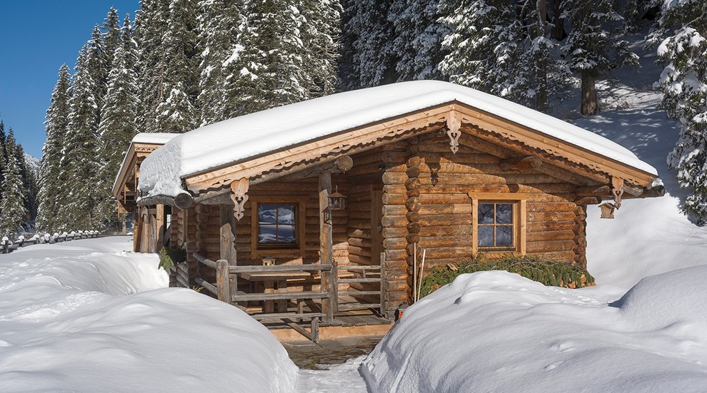 Hotel Almhof Hochfügen Skiregion Zillertal Tiefschnee Skiurlaub